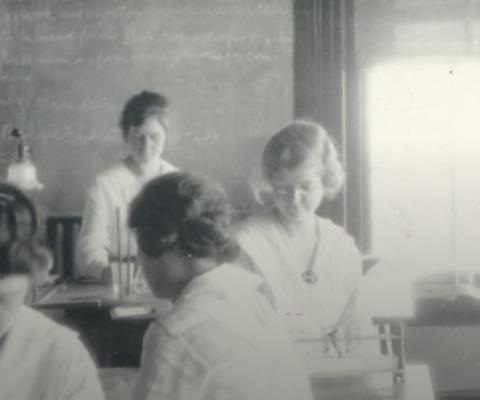 Women in Science: Speed Science-ing 03/11/2020